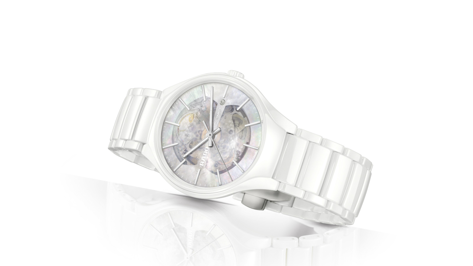 Rado_True Open Heart_White_734_0106_3_090_side_1600x900