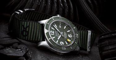 Taucheruhr von Breitling mit grünem Zifferblatt und grünen Nato-Band
